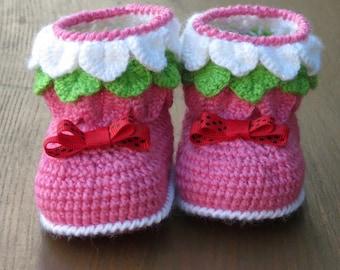 baby girl booties, crochet booties, pink booties, newborn booties