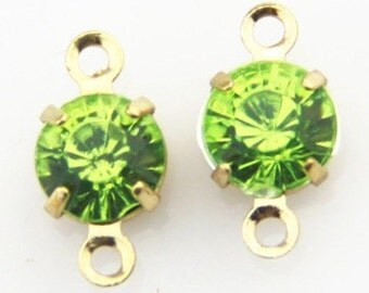 12 pcs of rhinestone 5mm with brass setting gold two loop charm-1160-Peridot ewelry in gold setting