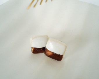 Porcelain earrings, studs, with bronze lustre.