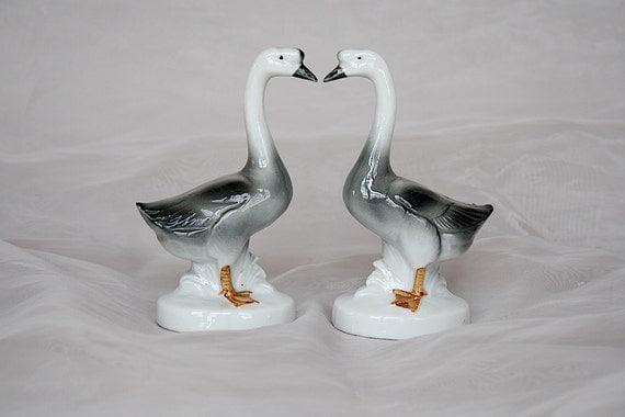 Wedding Statue Gifts: Goose & Gander Geese Figurines Wedding Gift Idea