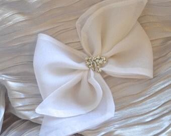 First Communion Hair Bow, Flower Girl Hair Bow, Baptism Hair Bow, Christening Hair Bow, Girls Hair Bow, Baby Hair Bow / White