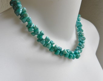 "Sea Snail Shell Necklace Choker Vintage Dyed Teal Blue Green 15"" Souvenir"