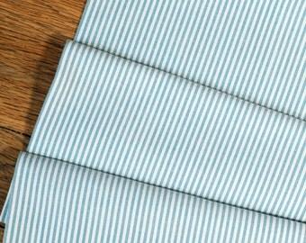 Moyenne bleu et blanc à rayures tissus - demi mètre - 100 % coton - menage quilting patchwork bricolage bunting poupée jouet couture