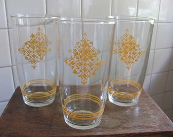 Set of 3 large sour cream glasses