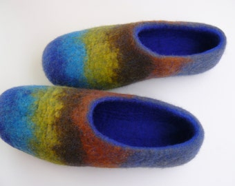 Felted slippers. Ecological wool slippers. Hand-made home shoes