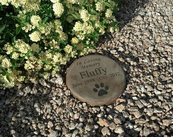 """Custom Engraved Pet Memorial Stone 7.5"""" Diameter 'In Loving Memory'"""