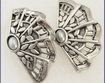 Vintage Oriental Fan Silver Tone Clip On Earrings