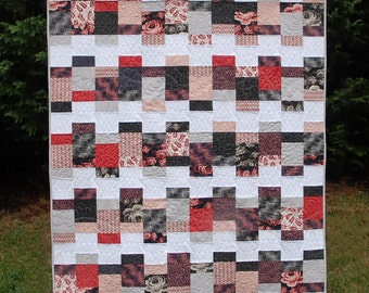Looking Glass - a Digital pdf Quilt Pattern - Charm Pack and Layer Cake Friendly - Baby, Lap, Twin, and Queen Sizes