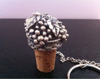 Vintage Collectible Wine Bottle Cork Pewter Metal Grapes Stopper.