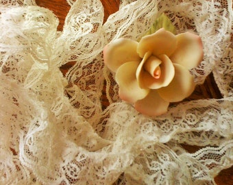 VIntage Lace, Trim, Off White, Ecru, 5 Yds, 10 Ins Long, 1.5 In Wide, Picot Edges, Wedding, Sewing, Crafts, Supplies, Dress Making