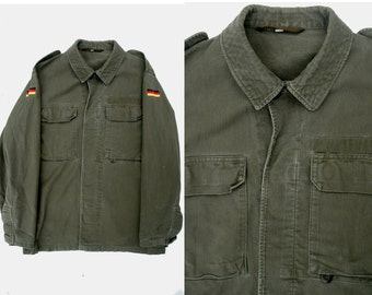 Army jacket green military utilitarian minimalist Germany