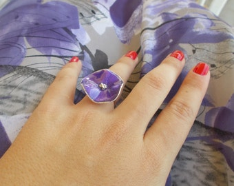 Beautiful engraved silver ring with purple enamel