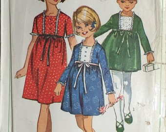 "Simplicity 6603 Vintage Sewing Pattern Girls One Piece Dress - 1960's Girls Dress Size 8 - Breast 26"" - 66cm"