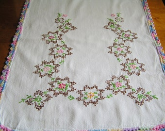 Vintage Embroidered Dresser Scarf Runner Red Orange Pink Flowers Varigated Multi-Color Crocheted Crochet Edging Cottage Chic