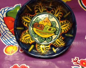 Vintage hand painted decorative Mexican bowl