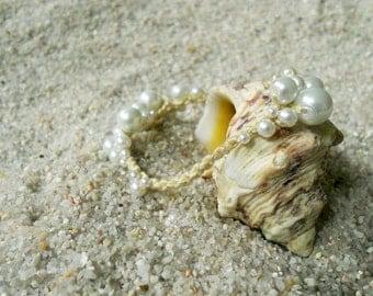 Sea Foam Pearl Bracelet (Golden Rays)
