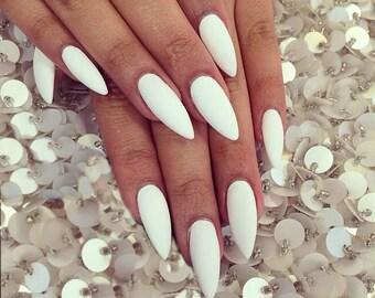 24 Press On Stiletto Nails White Matt or Glossy