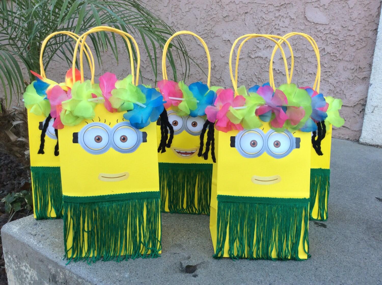 6 minion luau theme party favor bags 6 despicable mefavor. Black Bedroom Furniture Sets. Home Design Ideas