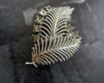 Vintage ©LISNER Silver Brooch of Feathers with Rhinestones