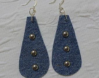 Denim and spot earrings.