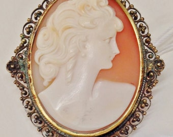 Stunning Large REAL SHELL Carved CAMEO Pin Brooch