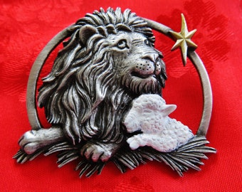 JJ Jonette Lion Lamb And Star Christmas Peace Brooch Pin