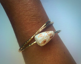 Hawaii Beach Bangle, ONE Extra Thick 14k Gold Filled Hammered Surf Tumbled Hawaii Flea Cone Shell Bangle, 12g, Kauai