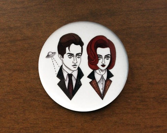 "Mulder and Scully 1.5"" Pin"