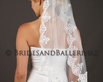 Lace Veil, Bridal Veil Lace, Lace Wedding Veil, Tulle Veil, Lace Veil Wedding, Elbow Veil, 1 Tier Veil, Available in any length!