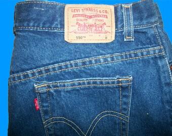 Levis 550 Jeans    Size 14 L