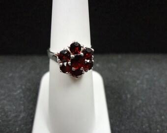 Beautiful Vintage Sterling Silver - Garnet Stone Ring