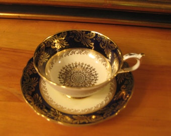 SALE! Paragon Tea cup and saucer. Mint Condition!