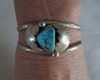 Blue Turquoise Cuff Bracelet, Elegant silverwork, Native American, Ethnic Jewelry - 17.60 grams