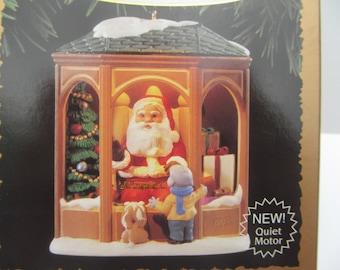 Hallmark  Keepsake   Ornament   1995  Coming  To See Santa   QLX  7369// lighted // Motion