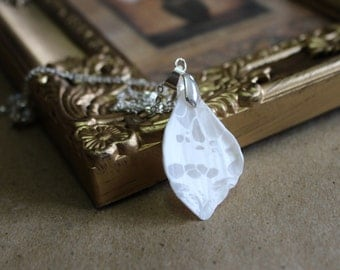 White butterfly wing necklace, Butterfly wing necklace, Butterfly wing,Butterfly jewelry,Transparent necklace,Christmas gift,Wedding jewelry