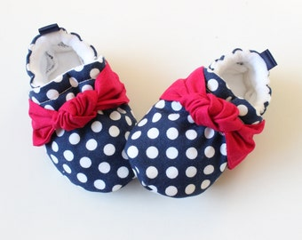 blue polka dots with knots, Soft Sole Baby Shoes, Fabric Baby Booties girls