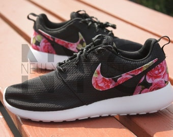 Nike Roshe Run Women Schwarz