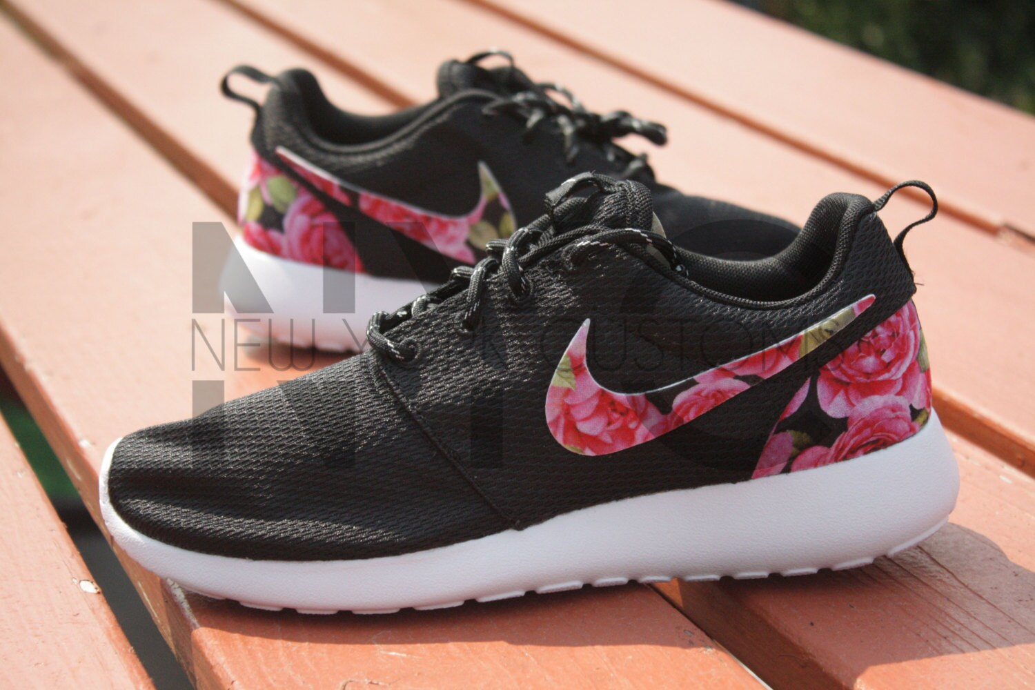 nike shox poursuite féminine - Nike Roshe Run Black White Azalea Garden Floral Print by NYCustoms