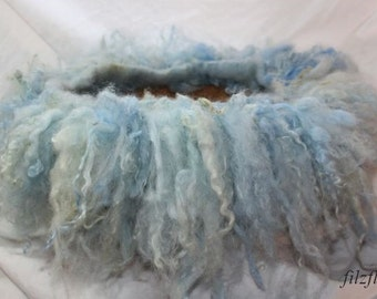 felted sheep wool hair band Newbornfoto light blue