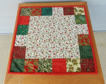 Christmas table Topper, Square table topper, Candle mat, Christmas candle mat, Holiday table topper, Christmas table mat
