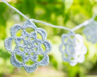 Crochet flower garland, crochet bunting, lilac crochet garland, pale purple flower garland, flower wedding garland.