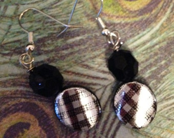 Silver and Black Collection: Shimmering Silver Black Earrings
