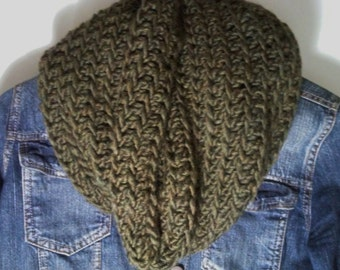 Green Chunky Cowl, Crochet Cowl,Green Chunky Cowl,Womens Cowl, Winter Scarf,Circle Scarf