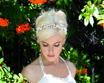 white flower crown, ivory wedding headband, bridal headpiece, bridal hair accessorie, wedding flower crown, bridal crown, floral crown