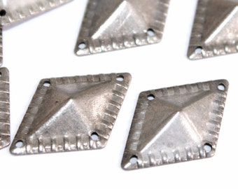 30 pcs 16x24 mm  Diamond Patterned Four Corner Hole Stainless Brass Antique Silver Color