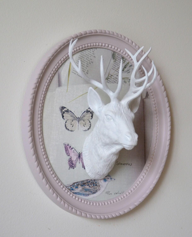Troph e t te de cerf d co murale blanc sur cadre rose - Tete de cerf blanche ...