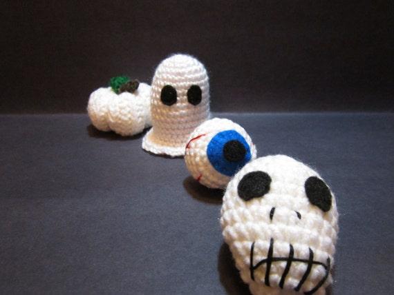 Halloween Decorations in White, Set of 4: Ghost, Pumpkin, Eyeball & Skull, Crochet Decor, Amigurumi Halloween Toys