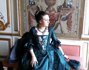 18th century dress - dress in the French 18th