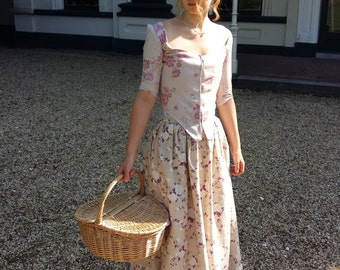 18th century floral maxi skirt  - one size fits all