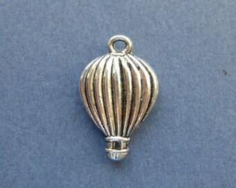 5 Hot Air Balloon Charm - Hot Air Balloon Pendant - Antique Silver - 21mm x 13mm -- (E3-10824)